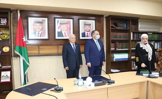 51 محامياً يؤدون اليمين القانونية أمام وزير العدل