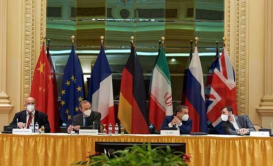 فرنسا وألمانيا وبريطانيا لا ترى ضمانة لنجاح المحادثات بشأن ملف إيران النووي