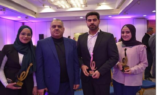 فوز ثلاثة طلاب من جامعة الزرقاء بجوائز مؤسسة الحسين للسرطان