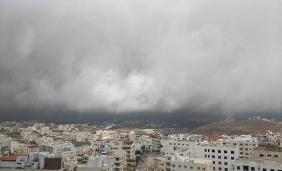 الأربعاء :  انحسار الرياح الشرقية وانخفاض طفيف على الحرارة مع بقاء الاجواء اكثر حرارة من المعتاد