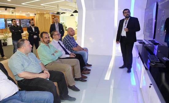 مهندسو الرياض يزورون شركة هواوي