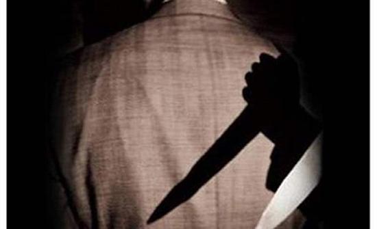 عشيقان وثالثهما الشيطان.. الزوجة نصبت كمينًا لزوجها لقتله وسرقته