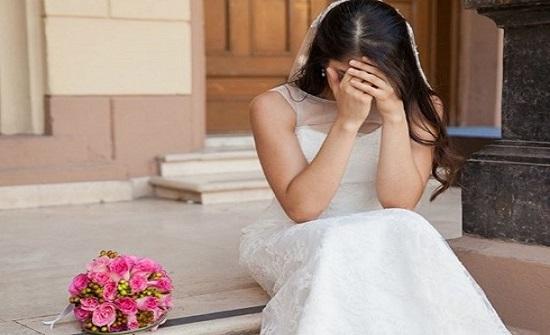 """مصري يطلق عروسته """" ليلة الدخلة"""" بسبب إخراج لسانها لوالدته"""