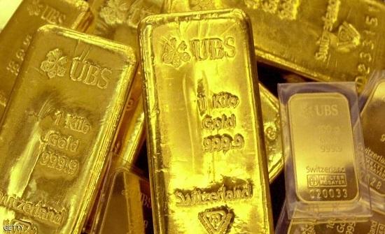 الذهب يهبط.. وارتفاع قياسي للبلاديوم