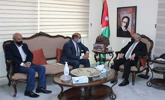 وزير الثقافة يلتقي رئيس وأعضاء اتحاد الكتاب والأدباء