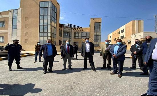 مدير الكهرباء الأردنية يتفقد محطات الشركة في مادبا
