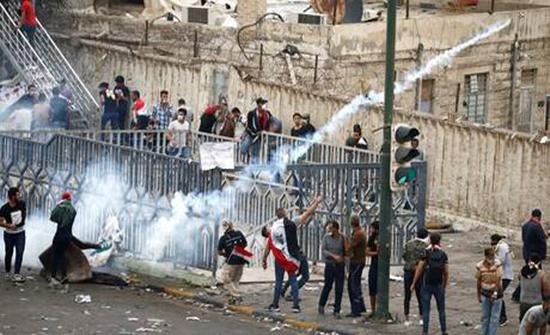 العراق.. عبد المهدي يخول المحافظين سلطة فرض حظر التجوال في محافظاتهم