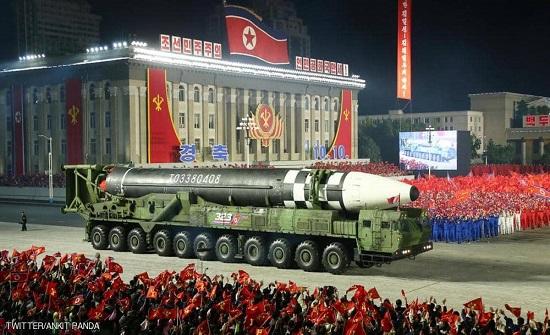 """بالصور عالية الدقة.. كوريا الشمالية تكشف عن صاروخها """"المرعب"""""""