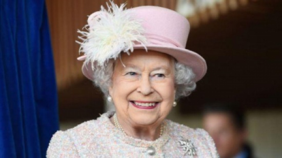 اليكم أغرب عادات تناول الطعام عند ملكة بريطانيا