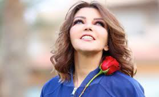 بإطلاله شبابية.. سميرة سعيد تعلن عن ألبومها الجديد