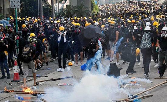 اعتقال الناشط السياسي جوشوا وونغ في هونغ كونغ عشية الاحتجاجات