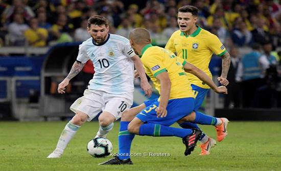 ميسي وفيرمينو يقودان تشكيلتي الأرجنتين والبرازيل
