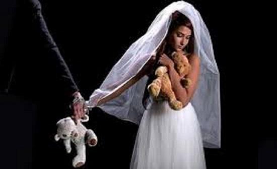 بالفيديو.. ايراني يتفاخر بمعتقداته  ويعلن زواجه بطفلة