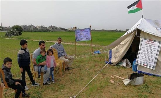 فلسطينيون ينصبون خياماً على حدود غزة للمطالبة بحق العودة