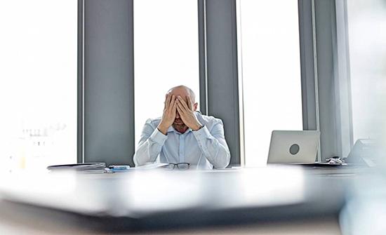 الضغط النفسي قد يكون مسؤولٌ عن تساقط الشعر