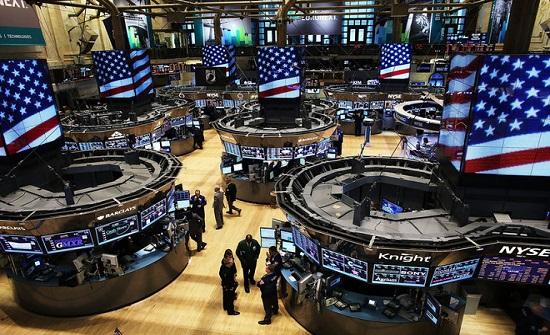 الأسهم الأمريكية تغلق مرتفعة وسط تفاؤل بشأن التجارة