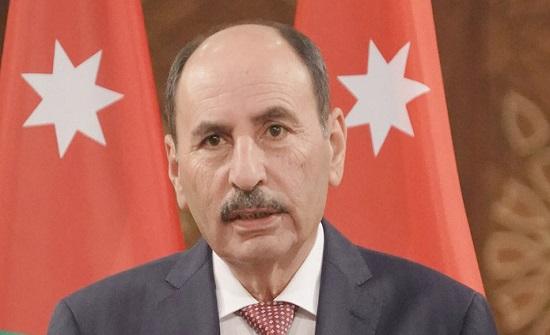 وزير الاشعال العامة يبحث سبل التعاون مع رئيس الوزراء الفلسطيني