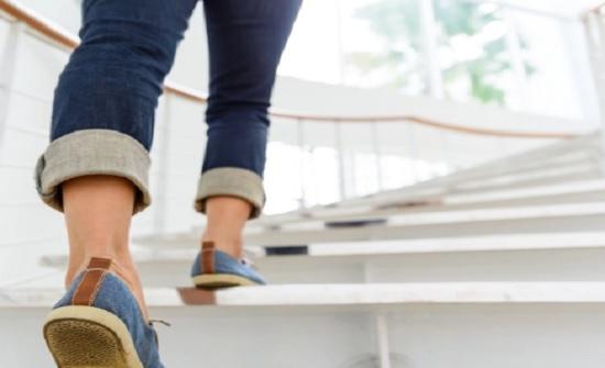 16 طريقة للمشي والسمات الشخصية التي تكشفها
