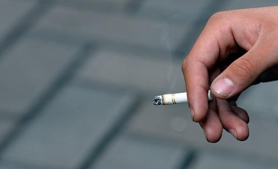"""طبيب عن تأثير أول """" سيجارة """" بعد الإفطار: قد تسبب جلطة وذبحة"""