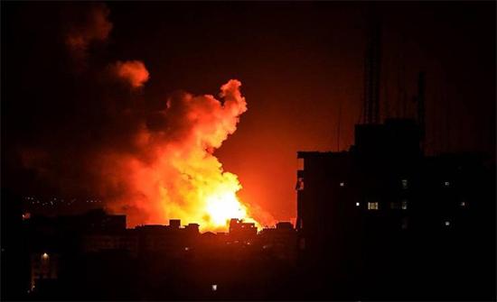 طائرات الاحتلال تقصف موقعاً ثانياً شمال غزة