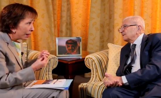 بالفيديو : الأميرة بسمة تلتقي مدرس الملك الراحل الحسين
