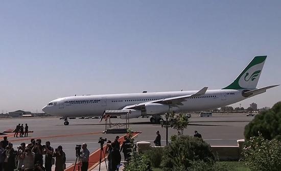 """بالفيديو : أميركا تفسر اعتراض مقاتلاتها طائرة ركاب إيرانية وطهران تعتبر ذلك """"إرهاب دولة"""""""