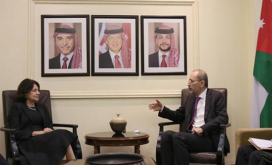 وزير الخارجية يلتقي وكيلة الأمين العام للأمم المتحدة للشؤون السياسية وبناء السلام