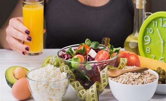 10 نصائح للتخلص من الوزن الزائد منها شرب المياه بعد كل وجبة