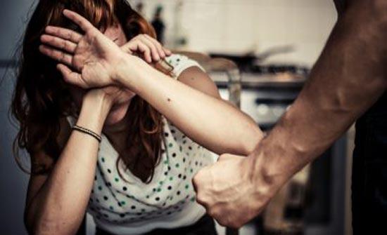 رجل يقتل زوجته « ضربًا » لإهمالها في تربية أبنهما!