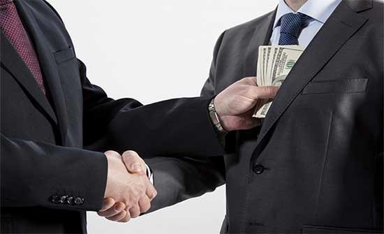مكافحة الفساد: الرشوة تضعف ثقة المواطنين بمؤسسات الدولة