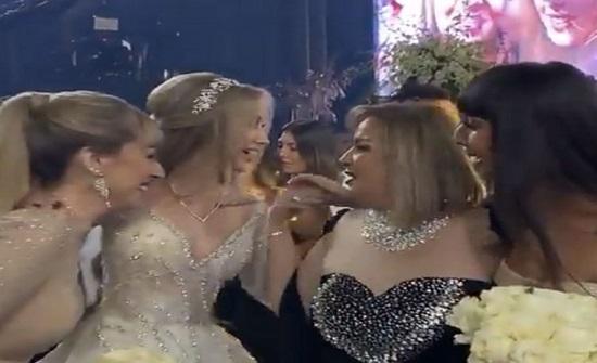 شاهد.. رقص هنا الزاهد مع والدتها واخواتها في حفل زفافها