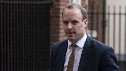 وزير الخارجية البريطاني: لا نستبعد فرض إجراءات إغلاق مرة أخرى