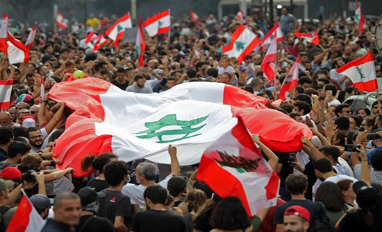 هدوء تام بالمناطق اللبنانية بعد انحسار الاحتجاجات الشعبية