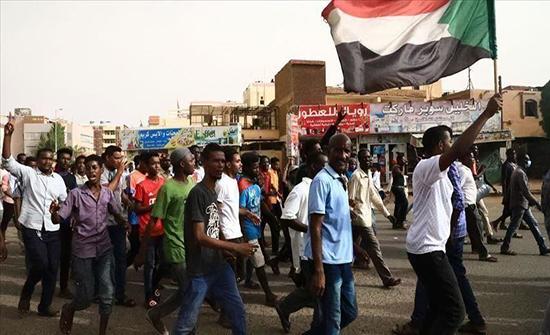 قيادات بحركات مسلحة سودانية تصل أديس أبابا للقاء مبعوث أمريكي
