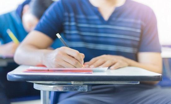 """امتحانات """"التوجيهي"""" موضوعية باستثناء اللغتين العربية والإنجليزية والرياضيات"""