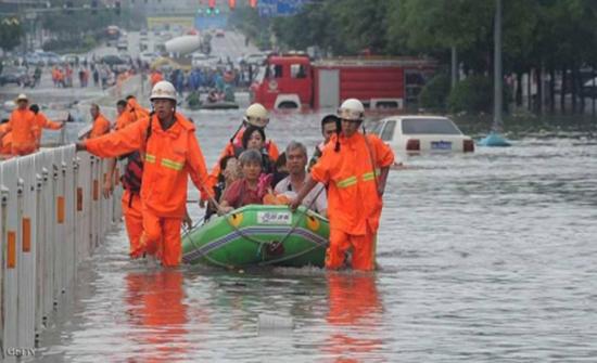 الصين: مصرع 140 شخصا جراء الفيضانات