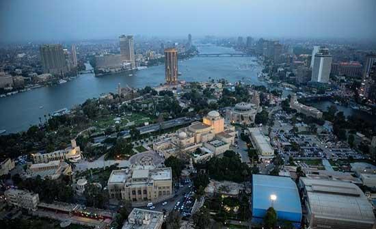 غزة.. وفد حكومي برفقة رجال أعمال يتوجه إلى القاهرة
