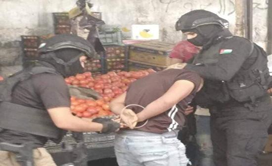 القبض على ١٤٢ شخصاً مطلوباً  في ثالث أيام الحملات الأمنية .. بالصور