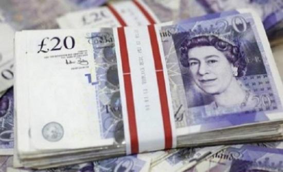الاسترليني يصعد أمام الدولار إلى أعلى مستوى له في أربعة أسابيع