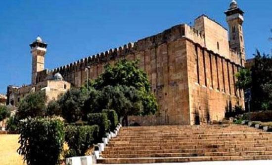 الاحتلال يمنع الاذان والصلاة في الحرم الابراهيمي  بالخليل