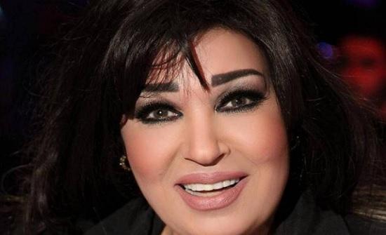 فيفي عبده تعود الى السوشيال ميديا بعد وفاة شقيقتها : وحشتوني بحبكم !