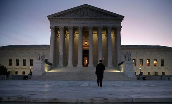 """أميركا.. المحكمة العليا تشعل حرب إعلانات """"انتخابية"""""""