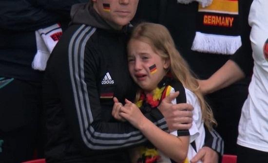 ويلزي يجمع 34 ألفاً للطفلة الألمانية الباكية