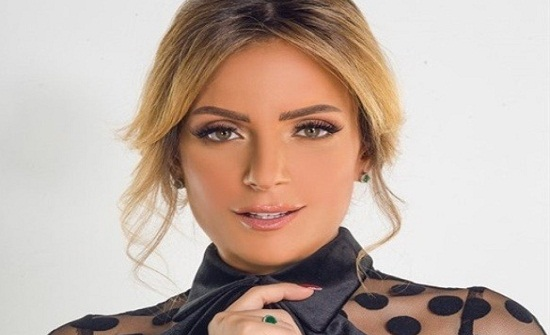 ريم البارودي ترد على خطوبة أحمد سعد بارتداء فستان زفاف