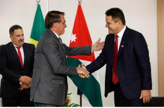 السفير مساعدة يقدم أوراق اعتماده للرئيس البرازيلي