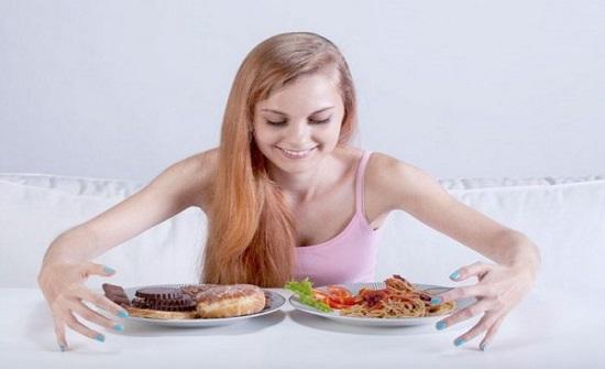 """بيض بالملوخية وعسل بالخيار.. ما تأثير أغرب """"ميكسات الأكلات"""" على صحتك؟"""