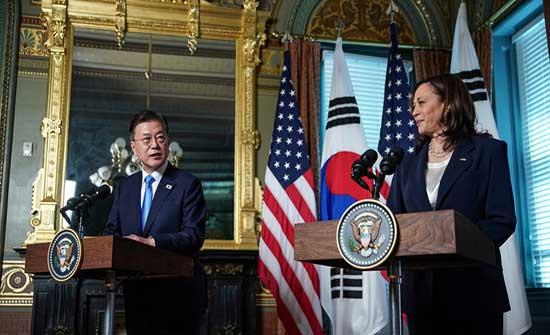 هاريس تتعرض لانتقادات بعد موقف محرج مع رئيس كوريا الجنوبية .. بالفيديو