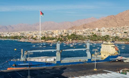 تأخر وصول 7 بواخر لميناء العقبة بعد تعطل الملاحة في قناة السويس