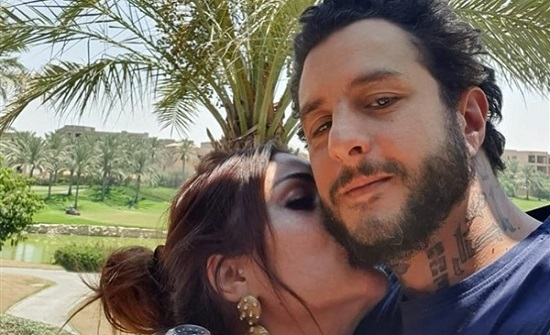 بـ قبلة على الخد.. أحمد الفيشاوي وزوجته يشعلان إنستجرام
