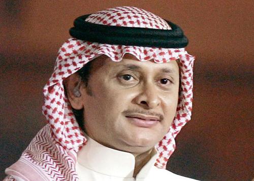 عبد المجيد عبد الله يتعرض للإنتقادات بسبب ما فعله بعد وفاة والدته .. فيديو